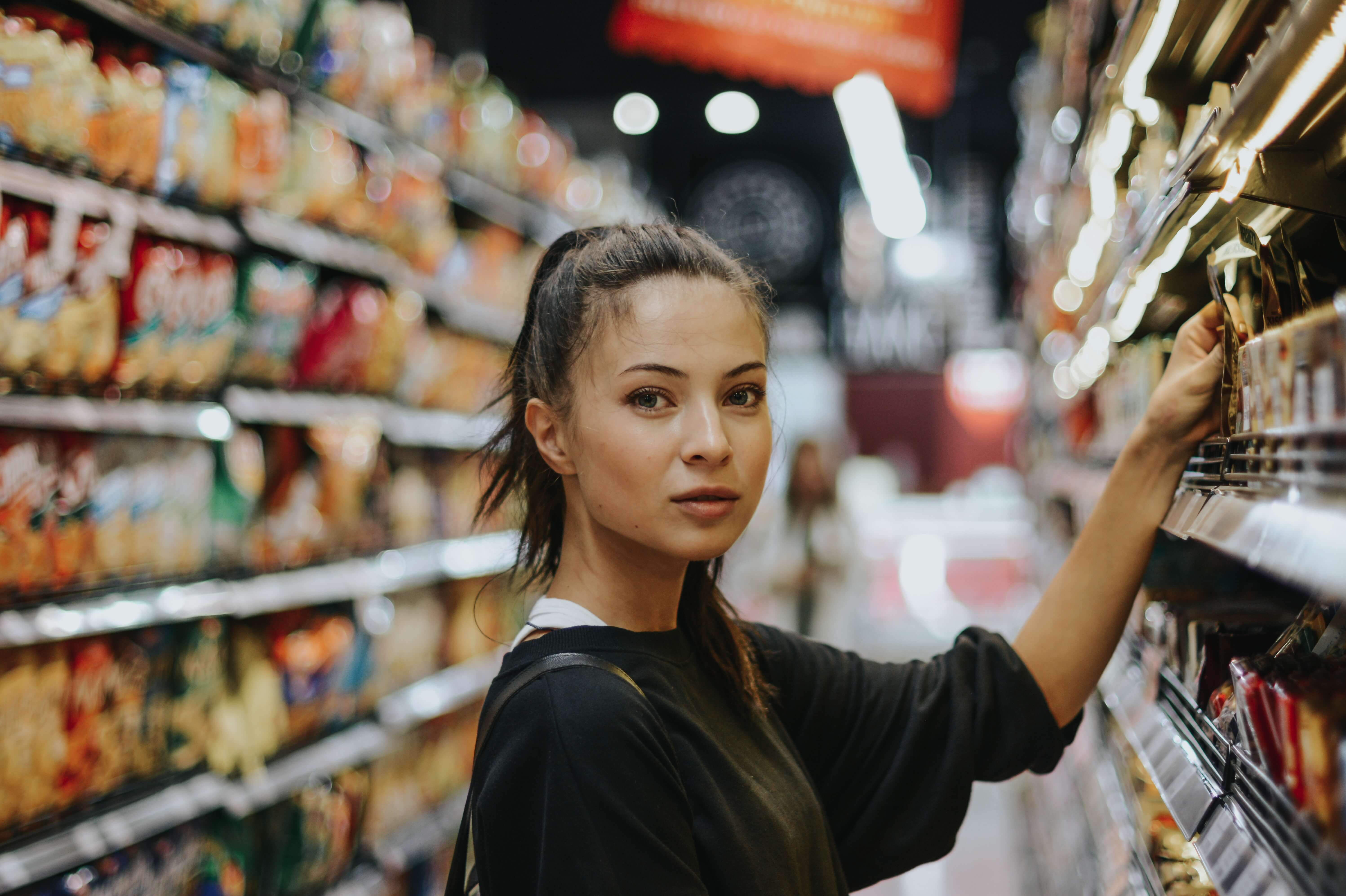 How much can i earn as a store clerk