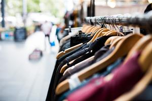 retail clothing job applications